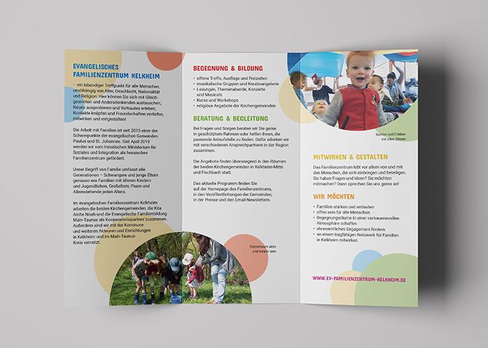 Klare Linien    Portfolio    Familienzentrum Kelkheim    Faltblatt