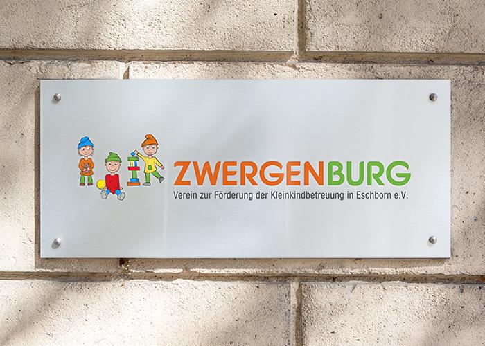Klare Linien || Portfolio || Zwergenburg || Logo